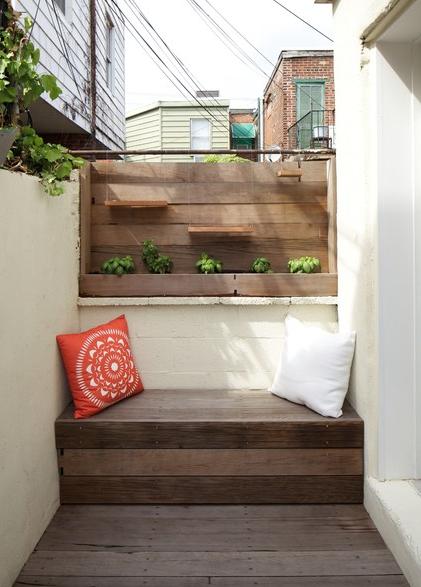 правильная мебель на балконе