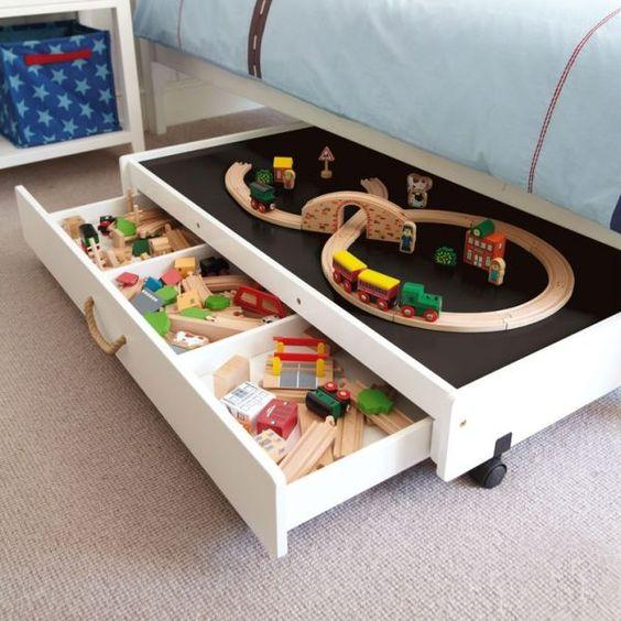 Ящики под кроватью